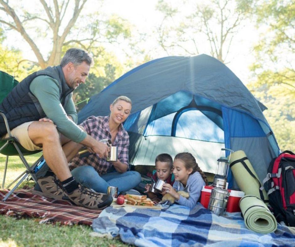 Gesin kamp met jou kinders in n tent