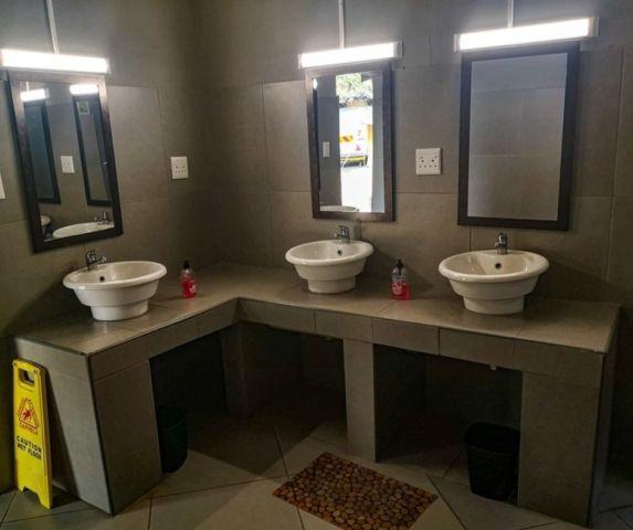 Dinokeng Resort bathroom