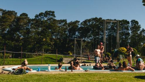 UTOPIA kampplek by die swembad